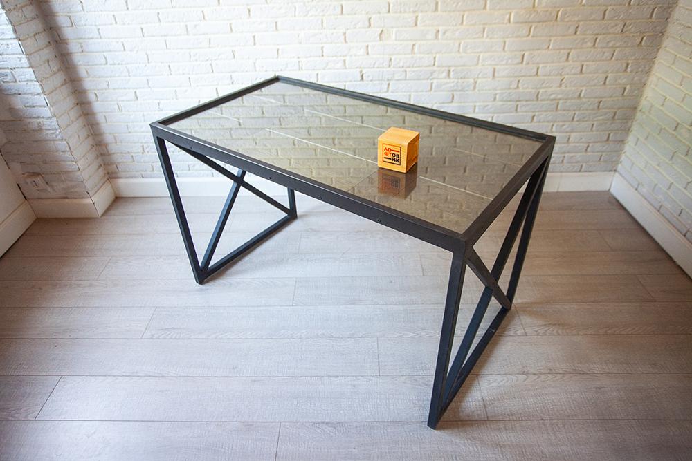 Стол «Индастриал»