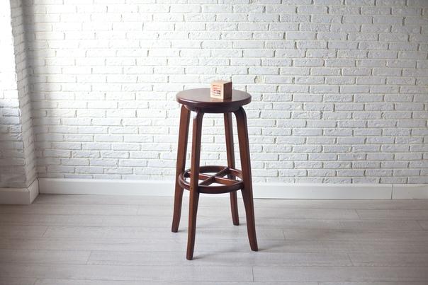 Барный стул из дуба «Стендап»