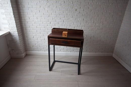 Гримерный столик «Со-вуд»